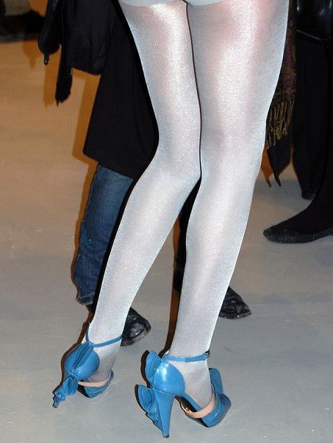 Подсмотренные чулки  Вуайеризм  upskirt  под юбками